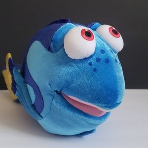 Disney finding Nemo dory talking puppet